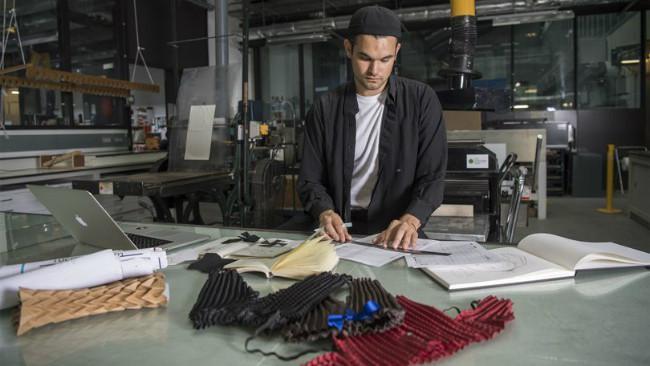 Ryan Yasin, insinyur kedirgantaraan yang menerapkan ilmunya kepada tata busana. (Sumber Dyson)