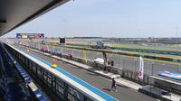 Sirkuit Buriram yang bakal jadi venue balapan MotoGP Thailand dinilai Valentino Rossi tak menantang. (Bola.com/Muhammad Wirawan Kusuma)