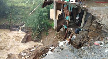 Lonsor Tutup Jalur Puncak, Bogor (Dok. Istimewa)