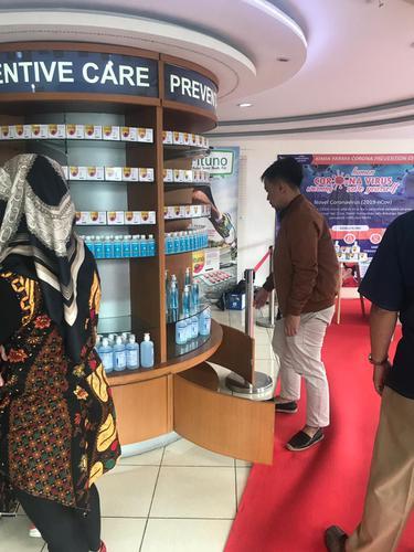 Bakal Dikunjungi Menteri, Apotek Kimia Farma Menteng Huis Larang Customer Beli Hand Sanitiser