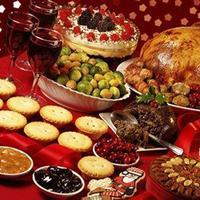 Tak lama lagi, umat Kristiani akan menyambut sukacita Natal. Seluruh hidangan terenak pasti akan tersaji di setiap keluarga, tak terkecuali.