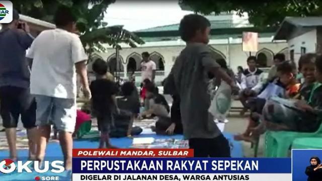 Memperingati Hari Buku Sedunia, selama satu pekan ini digelar Perpustakaan Rakyat Sepekan di Polewali Mandar, Sulawesi Barat. Uniknya kegiatan ini digelar di jalanan desa dengan ratusan buku yang disediakan gratis.