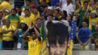 Performa ciamik Willian bersama Brasil dianggap telah mensejajarkan dirinya dengan Neymar da Silva. ()