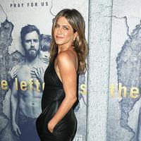 Jennifer Aniston dikabarkan tengah menjalani hubungan cinta dengan pelatih tinjunya, Leyon Azubuike, usai berpisah dari Justin Theroux. (REX/Shutterstock/HollywoodLife)