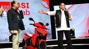 motor listrik Gesits berhasil terjual Rp2.55 miliar dalam konser amal virtual 'Berbagi Kasih Bersama Bimbo'.