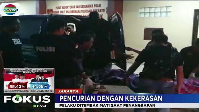 Sebelumnya, petugas juga telah menangkap empat pelaku lainnya. Tiga di antaranya terpaksa ditembak kakinya karena melawan.