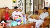 Ujang bersilaturahmi dengan Ustaz Kondang, Ghazali Rahman