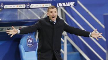 FOTO: Melihat Gaya Keren Andriy Shevchenko Saat Membawa Ukraina Menahan Imbang Prancis di Kualifikasi Piala Dunia