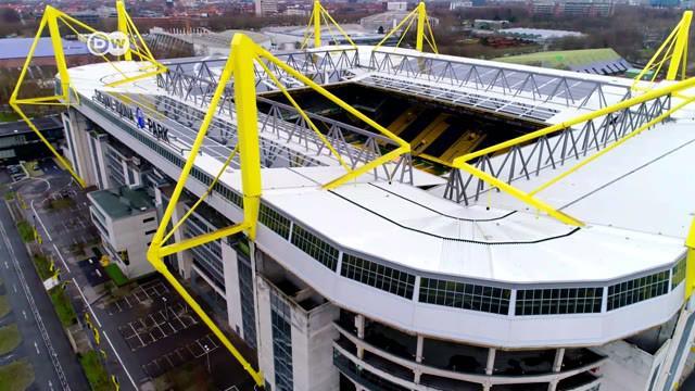 Berita video seri DW, Life is a Pitch, yang menampilkan keunikan dan ciri khas dari stadion kandang Borussia Dortmund, Westfalenstadion.