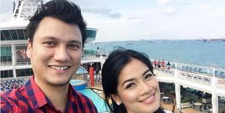 memasuki kehamilan 8 bulan, Christian Sugiono melarang Titi Kamal bepergian ke luar kota.