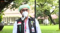 Wakil Ketua Tim Dokter Kepresidenan Profesor Dr dr Abdul Muthalib kembali dipercaya untuk menyuntikkan dosis kedua vaksin COVID-19 ke Presiden Joko Widodo (Jokowi)