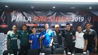 Jajaran pelatih dan pemain empat kontestan Grup A Piala Presiden 2019. (Huyogo Simbolon)