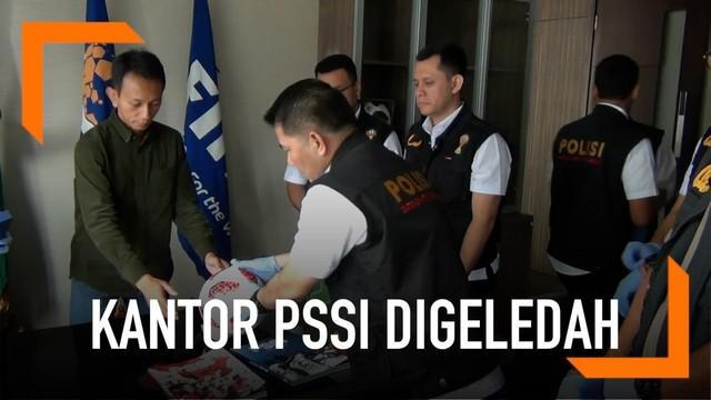 Penyidik Satgas Antimafia Bola Polri menggeledah dua kantor Persatuan Sepakbola Seluruh Indonesia (PSSI) di Jakarta Pusat dan Jakarta Selatan.
