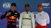 Max Verstappen, Lewis Hamilton, dan Sebastian Vettel, tiga pembalap yang akan terlibat persaingan ketat untuk jadi juara dunia F1 2020. (Istimewa)