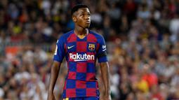 2. Ansu Fati (Barcelona) - Pemain jebolan La Masia ini mampu mencuri perhatian saat debut bersama Barcelona. Ia sukses memecahkan rekor sebagai pencetak gol termuda dalam sejarah klub yang sebelumnya dipegang Lionel Messi. (AFP/Pau Barrena)