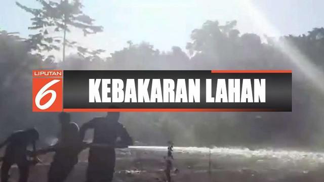 Kebakaran di Mamuju, Sulawesi Barat, memasuki permukiman warga di Korongana, Simboro.