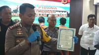 Polres Cirebon ungkap sindikat perdagangan manusia dengan cara memalsukan dokumen korban. Foto (Liputan6.com / Panji Prayitno)