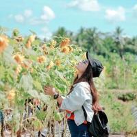 Taman Dewari, lautan bunga matahari yang akan buatmu takjub. (Sumber Foto: Instagram/tamandewari)