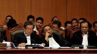 Kubu Prabowo-Hatta ngotot menyebut Pilpres 2014 cacat hukum dan meminta Mahkamah Konstitusi mendiskualifikasi Jokowi-JK, Jakarta, Jumat (8/8/14). (Liputan6.com/Johan Tallo)