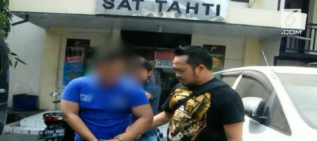 Polisi membongkar pelaku aborsi yang membuang bayinya begitu saja. Pelaku adalah sepasang mahasiswa di sebuah perguruan tinggi di Semarang.