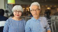 Hebat, pasangan ini telah bersama selama 37 tahun dan selalu berusaha mengenakan busana yang mirip satu sama lain, penasaran seperti apa?