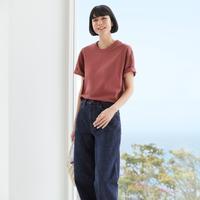 UNIQLO hadirkan oversized T-Shirt untuk maksimalkan gaya harian.