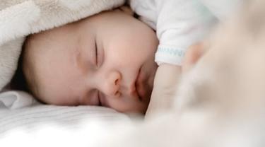 Tips menidurkan bayi