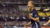 Kapten Melbourne Voctory, Keisuke Honda, saat merayakan gol di A-League. (AFP/William West)