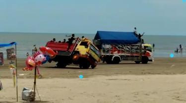 Balapan Truk di pantai