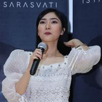 Isyana Sarasvati tuangkan pesan positif di single ballad terbarunya. (Adrian Putra/Fimela.com)