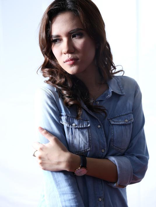 Dalam bayangan hitam sekalipun, Michelle Joan tetap cantik memesona (Galih W Satria/Bintang.com)
