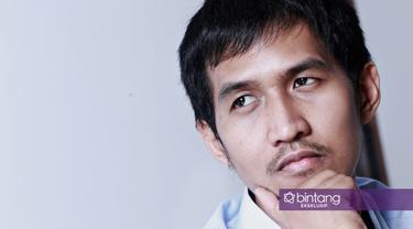 Hanya dengan modal Rp7 juta Yukka Harlanda beserta seorang temannya sukses membangun bisnis sepatu yang diberi nama 'Brodo'. (Foto: Adrian Putra/Bintang.com, Digital Imaging: Iqbal Nurfajri/Bintang.com)