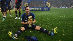 Florian Thauvin. Gelandang Timnas Prancis yang kini dikontrak klub Tigres Meksiko telah memperkuat dua klub elit, Newcastle United dan Marseille belum sekalipun meraih gelar. Bersama Timnas Prancis ia justru telah meraih trofi Piala Dunia U-20 tahun 2013 dan trofi Piala Dunia 2018. (AFP/Franck Fife)