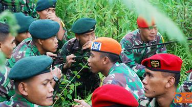 """Citizen6, Situlembang: Kegiatan yang bertajuk """"Lestarikan Alam Indonesia"""" itu juga diikuti Menwa, Wanadri dan para perwakilan Mahasiswa mulai awal April hingga 17 Juli mendatang. (Pengirim: Badarudin Bakri)"""