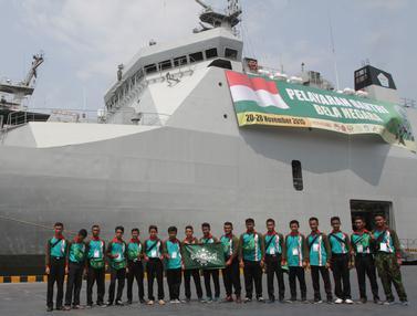 20151121-Seribu Santri Ikut Pelayaran Bela Negara dengan KRI Banda Aceh-Jakarta