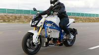 BMW Mulai Pamer Motor Listrik Canggih E-Power Roadster (Motorcyclenews)