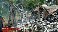 Kondisi kandang ayam milik Sigit Prihandoko yang ludes terbakar. (FOTO: Erwin Wahyudi/TIMES Indonesia)