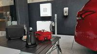 Mitsubishi Outlander PHEV bisa dijadikan sumber listrik untuk keperluan rumah tangga. (Sigit TS/Liputan6.com)