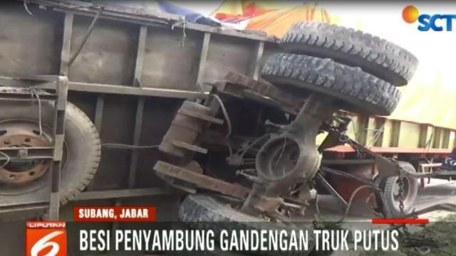 Kecelakaan ini terjadi setelah besi penyambung gandengan tiba-tiba terputus.