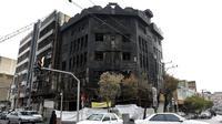 Bangunan terbakar akibat protes Iran. Dok: AP
