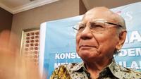 Ekonom Senior dan Menteri Perhubungan Kabinet Pembangunan II periode 1973-1978, Emil Salim. (Anisa/Merdeka.com)