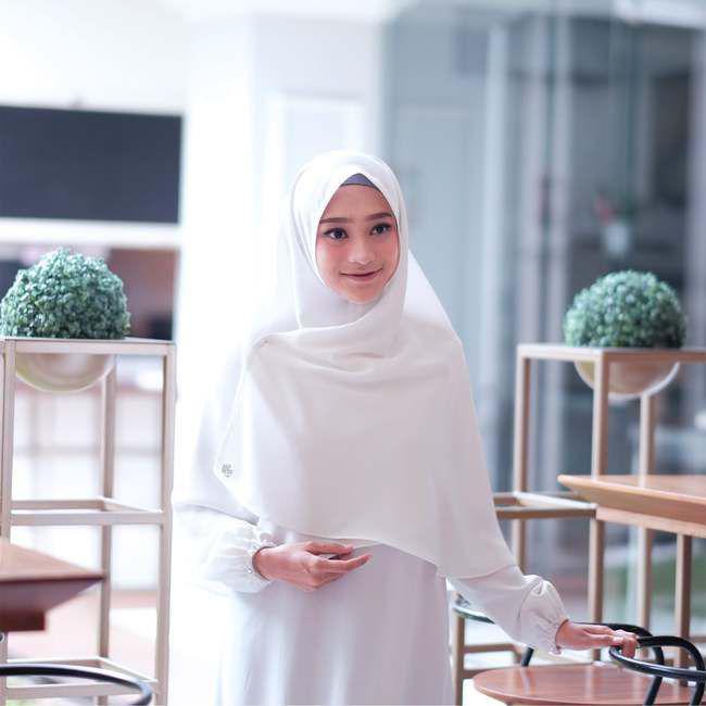 putih / Copyright : hijabprincess.com