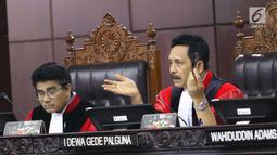 Ketua Hakim Mahkamah Konstitusi I Dewa Gede Palguna saat sidang uji UU BUMN di Jakarta, Senin (5/3). MK mengelar sidang pengujian UU No 19 tahun 2003 tentang Badan Usaha Milik Negara dengan agenda pemeriksaan pendahuluan. (Liputan6.com/Angga Yuniar)