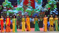 Koleksi Priscilla Saputro di Indonesia Fashion Week 2015