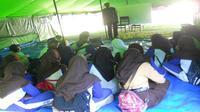 Hasil pantauan KPAI di Lombok, sekolah darurat menggunakan tenda atau terpal dan bangunan semi permanen. (Komisi Perlindungan Anak Indonesia)