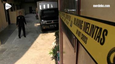 Para penghuni kontrakan di TKP pembunuhan satu keluarga di Bekasi ketakutan. Sebagian memutuskan pindah dan mencari kontrakan baru.