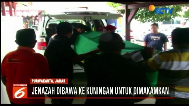 Kecelakaan yang melibatkan kendaraan minibus dengan truk ini terjadi di Jalan Tol Cikopo-Palimanan Kilometer 81, Sabtu dini hari. Enam orang meninggal dunia dan sejumlah korban mengalami luka serius.