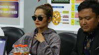 Penyanyi dangdut Siti Badriah penuhi panggilan Polda Jatim terkait kasus MeMiles (Foto: Liputan6.com/Dian Kurniawan)