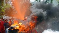 Simulasi pemadaman kebakarna hutan dan lahan (Liputan6.com / Nefri Inge)