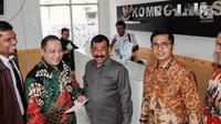 Mayjen TNI (Purn) Soenarko MD (tengah) melaporkan petinggi Polri terkait ketidakadilan dalam penanganan perkara di Kompolnas, Jakarta, Senin (23/7). Dirut STC menyampaikan perlindungan hukum atas tindakan diskriminasi. (Liputan6.com/Pool/Dodi)